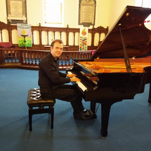 Jakob Fichert pllaying Liszt